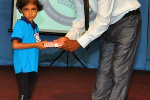Prize giving at IELTS SRI Lanka – IELTS Sri Lanka (5)